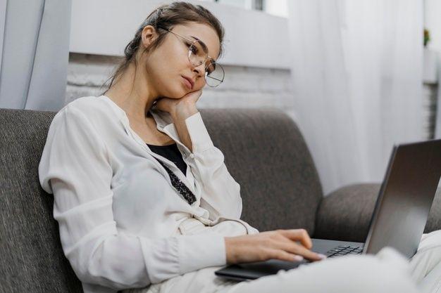 Stres dapat membuat keinginan makan berlebih.