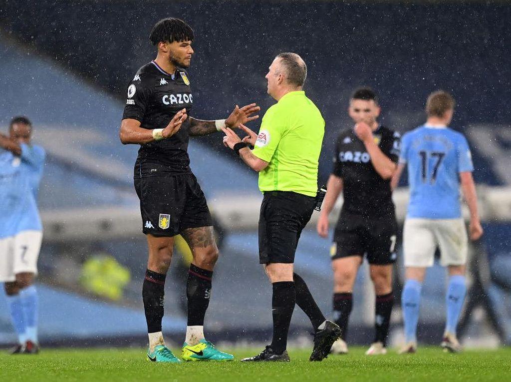 Man City Vs Villa: Menurutmu Rodri Offside atau Enggak?