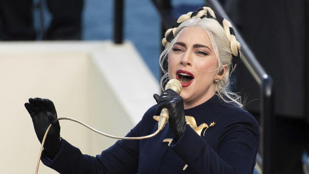Aksi Lady Gaga di Pelantikan Joe Biden