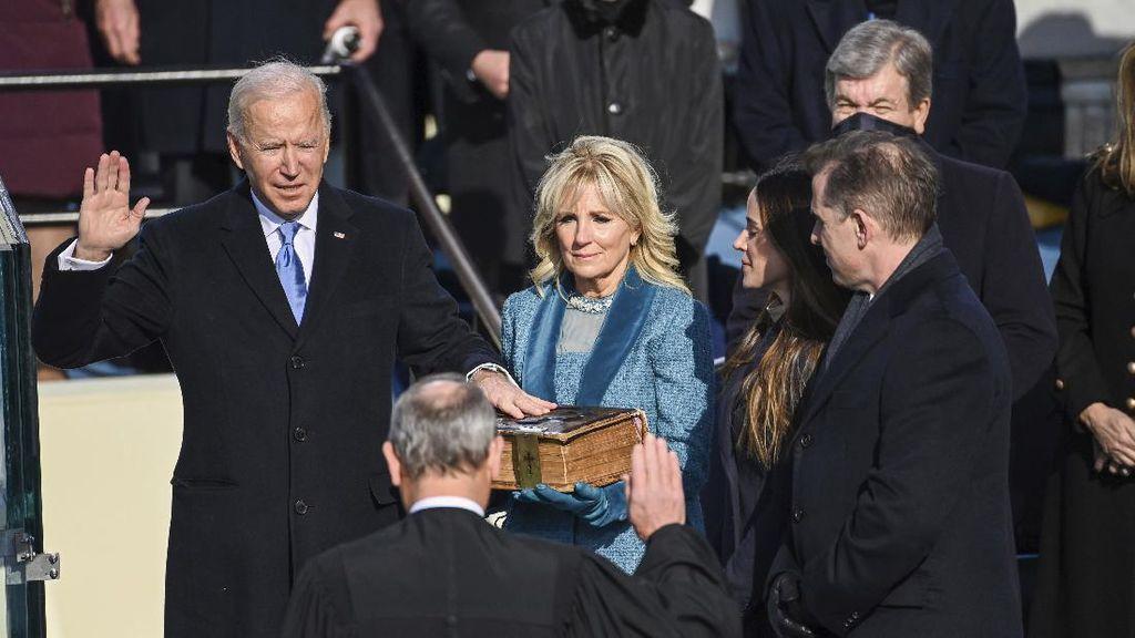 Alkitab Ratusan Tahun Saksi Karir Politik Joe Biden