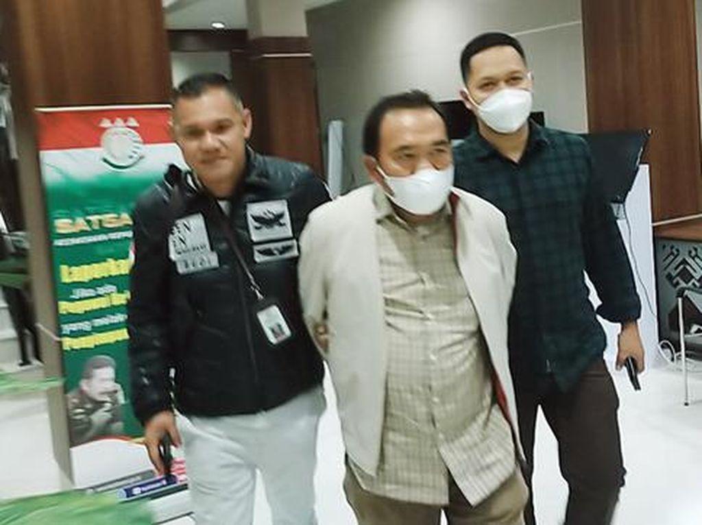 Kejatisu Tangkap Buronan Kasus Korupsi Pembuatan Peta Rawan Bencana BPBD