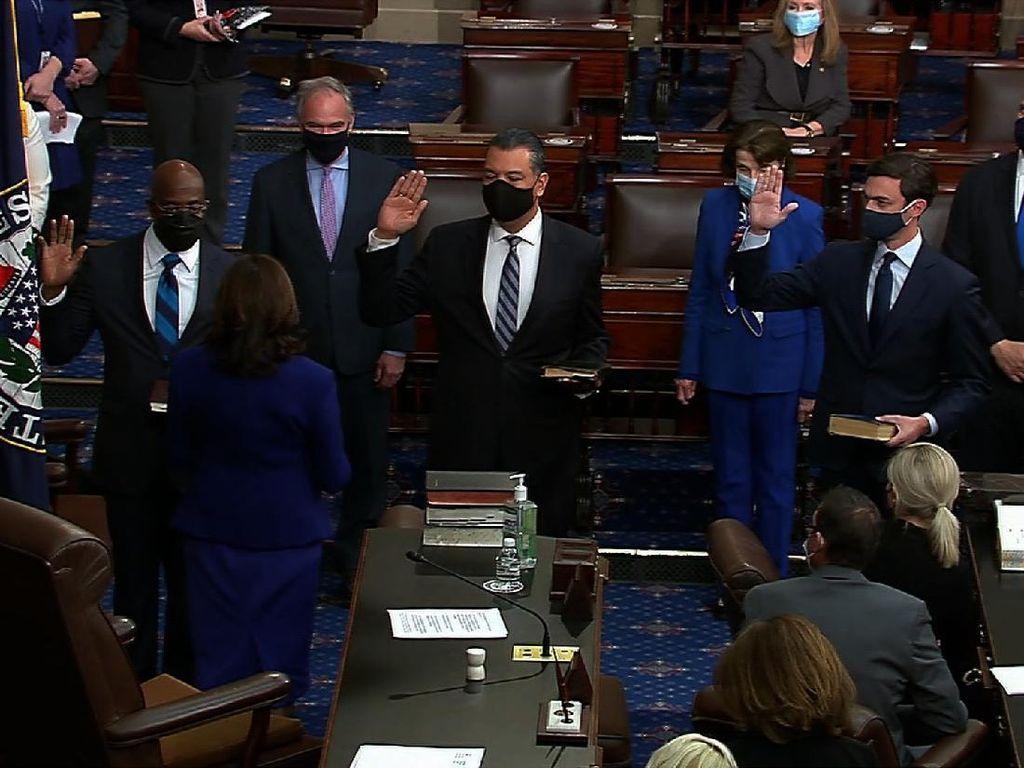 Tugas Pertama Kamala Harris sebagai Wapres, Lantik 3 Senator AS
