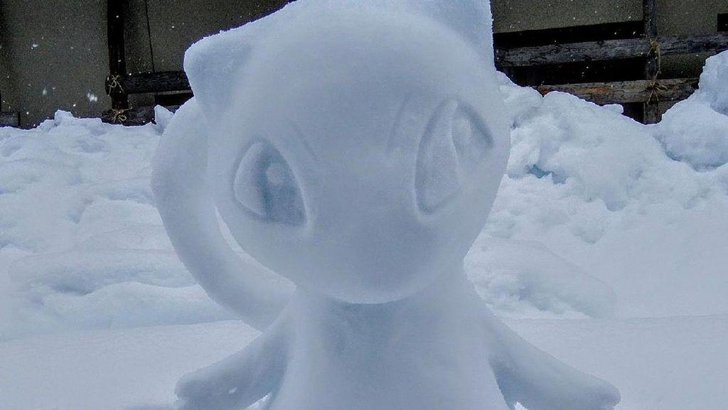 Potret Seniman Kalau Bikin Patung Salju, Total!