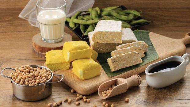 Perbandingan Nilai Zat pertumbuhan dalam 100 Gram Daging, Tahu, Tempe dan Ikan
