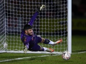 Kiper Tim Divisi Empat Inggris Ini Bikin Gol Terjauh di Dunia