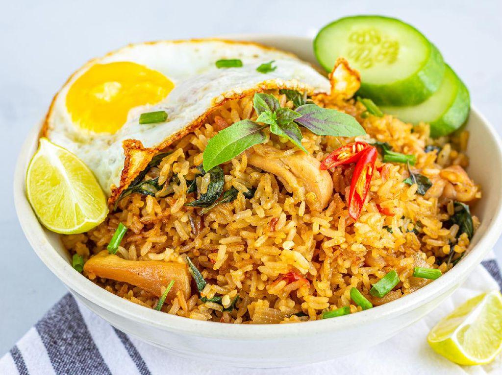 Resep Nasi Goreng Kencur dan Kemangi yang Harum Hangat
