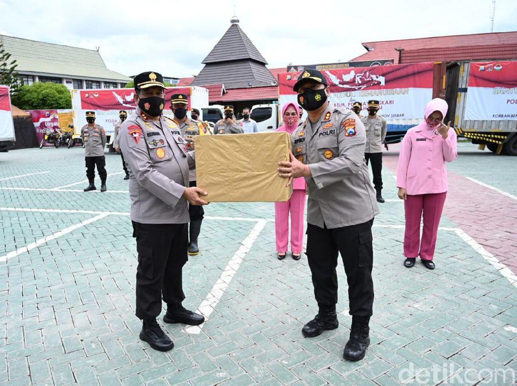 62.240 Paket Bansos Polda Jatim untuk Korban Bencana Tiba Banjarmasin