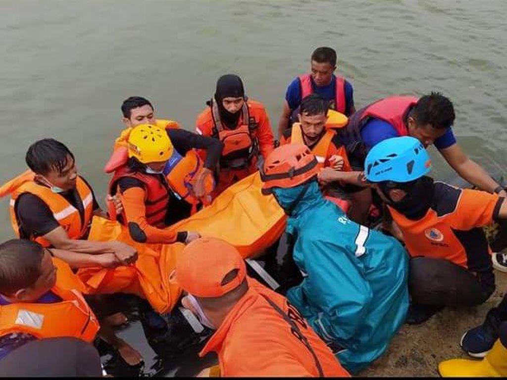 Hilang 3 Hari Usai Terseret Ombak Pantai, Bocah di Parepare Ditemukan Tewas