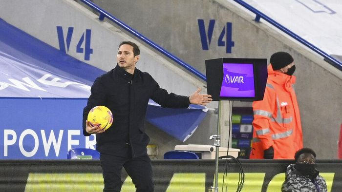 Chelseas head coach Frank Lampard waits for the VAR system to be reviewed by the referee during the English Premier League soccer match between Leicester City and Chelsea at the King Power Stadium in Leicester, England, Tuesday, Jan. 19, 2021 (Michael Regan/Pool via AP)