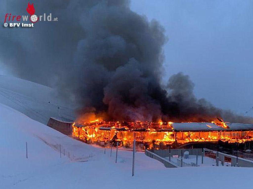 Museum Top Mountain Terbakar, 230 Motor Klasik Ludes Dilalap Si Jago Merah