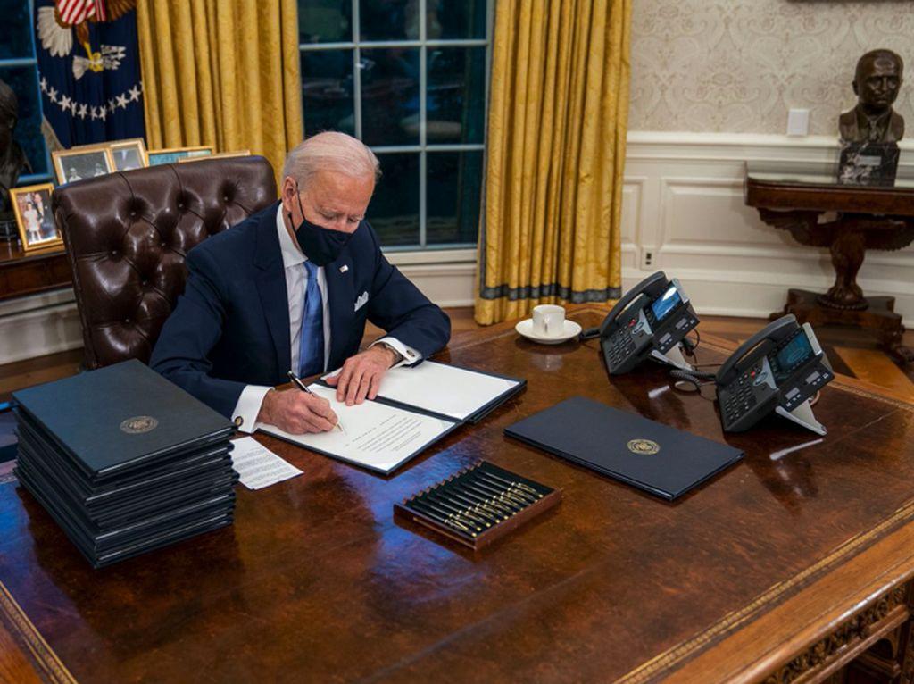 Tempati Oval Office, Joe Biden Singkirkan Tombol Soda Donald Trump
