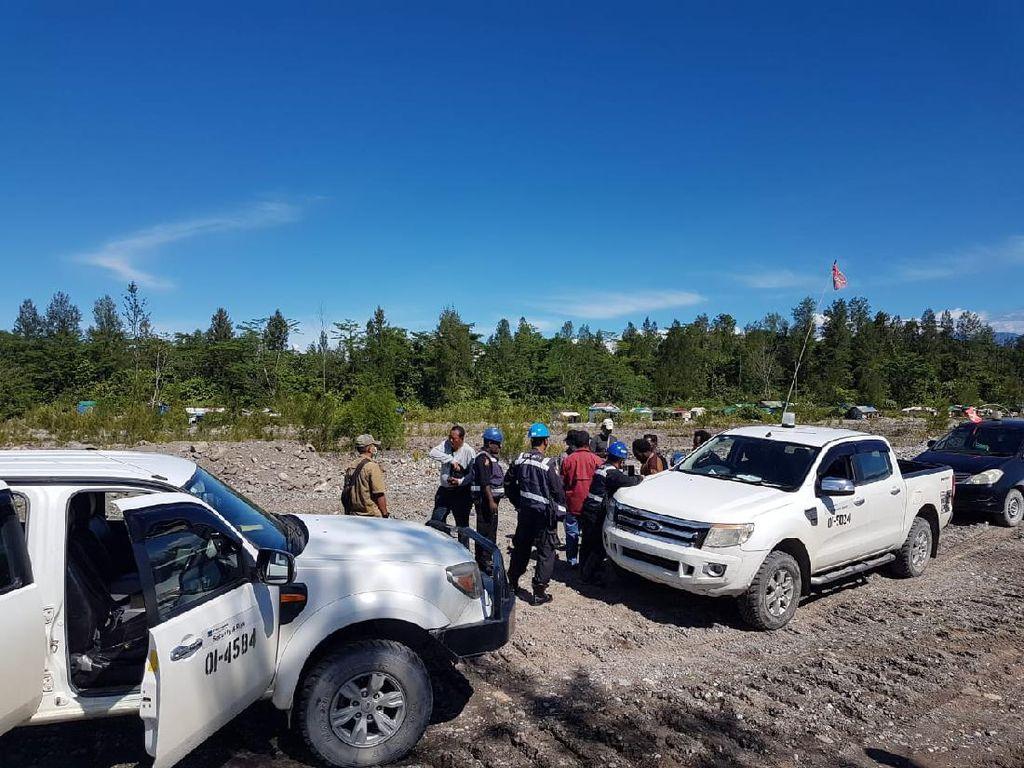 Warga Timika Blokade Jalan Menuju Freeport, Tagih Janji Dijadikan Pekerja