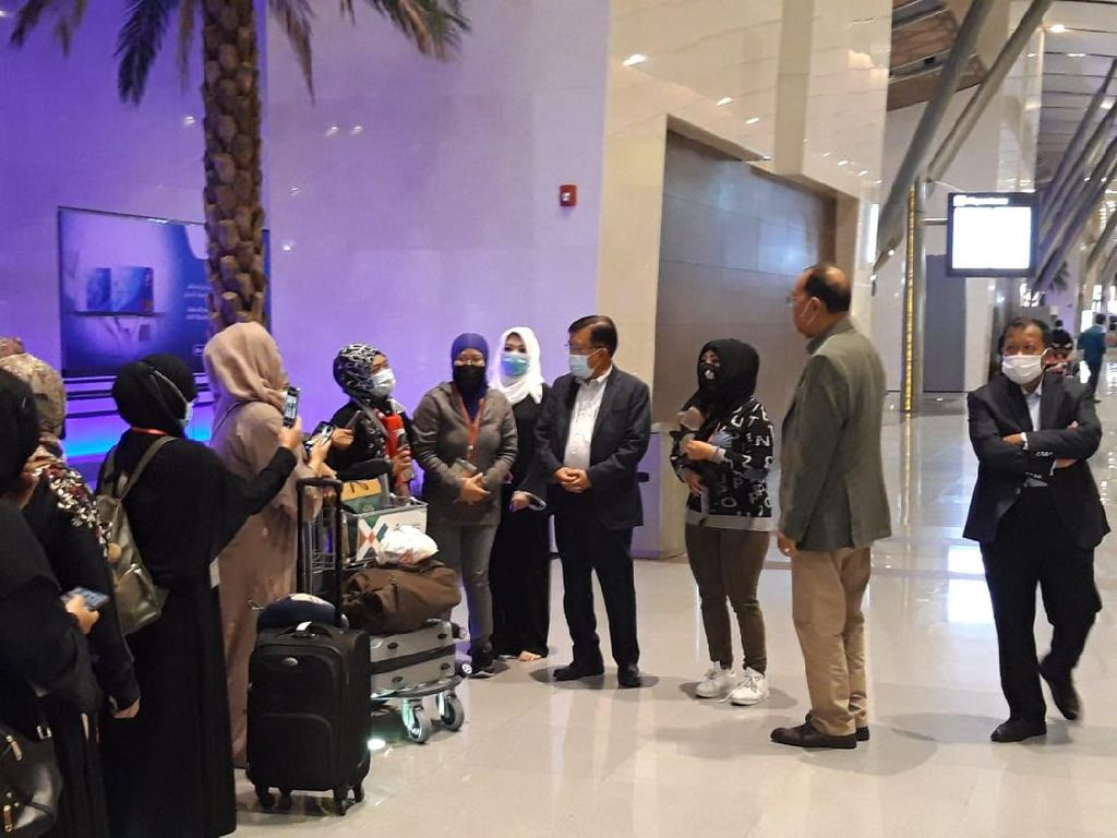 Jusuf Kalla Ikut Melepas PMI Program Amnesti Kesultanan Oman