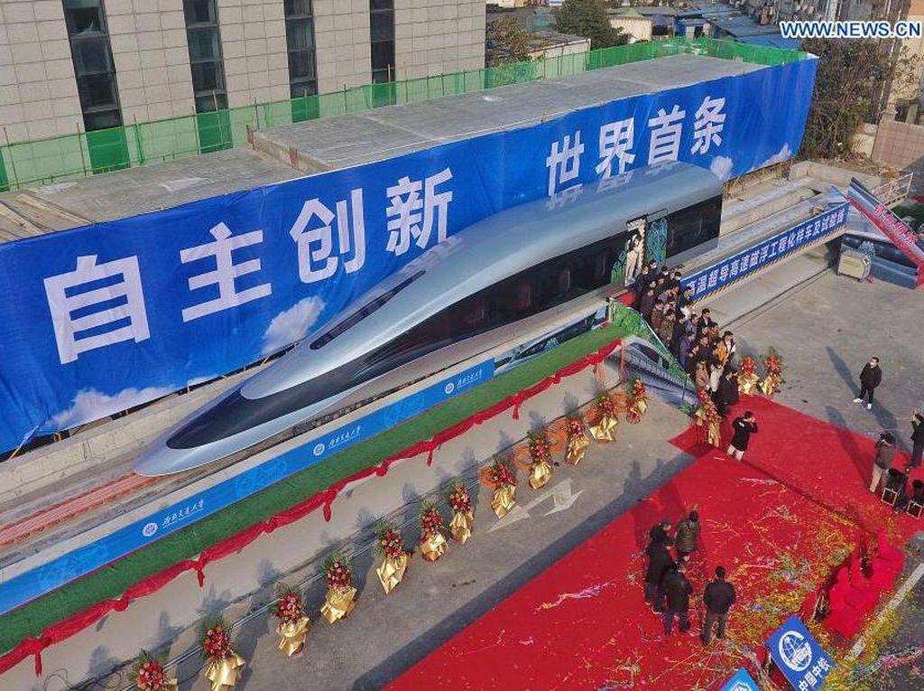 Mengintip Prototipe Kereta Maglev Supercepat Pertama China