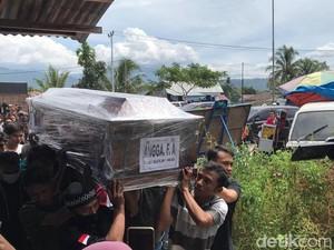 Satu Jenazah Korban Pesawat Sriwijaya SJ182 Dimakamkan di Padang