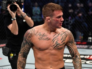 UFC 257: Dustin Poirier Kalahkan Conor McGregor!