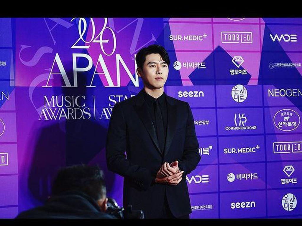 Raih Daesang di APAN Star Awards, Hyun Bin Berterima Kasih pada Son Ye Jin
