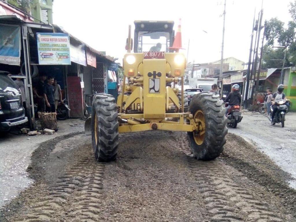 Pemko Medan Perbaiki Jalan Karya Jaya yang Rusak, Segera Diaspal