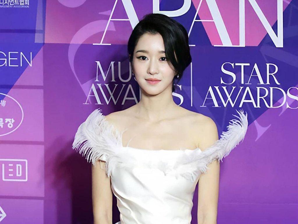 Gaya Mewah 7 Artis Korea di Apan Star Awards 2020, Hyun Bin Hingga Seo Ye Ji