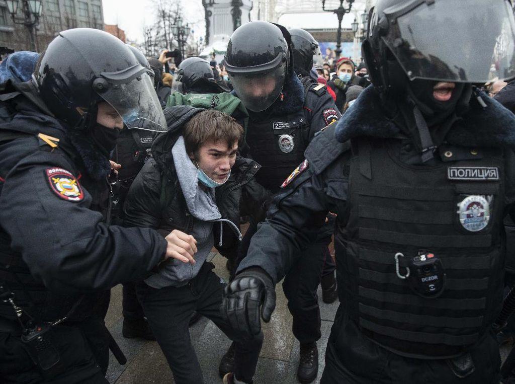 Rusia Tangkap 1.400 Orang dalam Aksi Demo Dukung Alexei Navalny