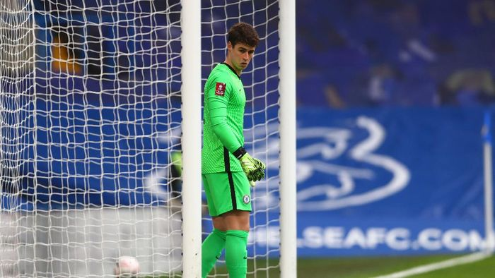LONDON, ENGLAND - JANUARY 10: Kepa Arrizabalaga of Chelsea looks prepares prior to the FA Cup Third Round match between Chelsea and Morecambe at Stamford Bridge on January 10, 2021 in London, England. Sporting stadiums around England remain under strict restrictions due to the Coronavirus Pandemic as Government social distancing laws prohibit fans inside venues resulting in games being played behind closed doors. (Photo by Clive Rose/Getty Images)