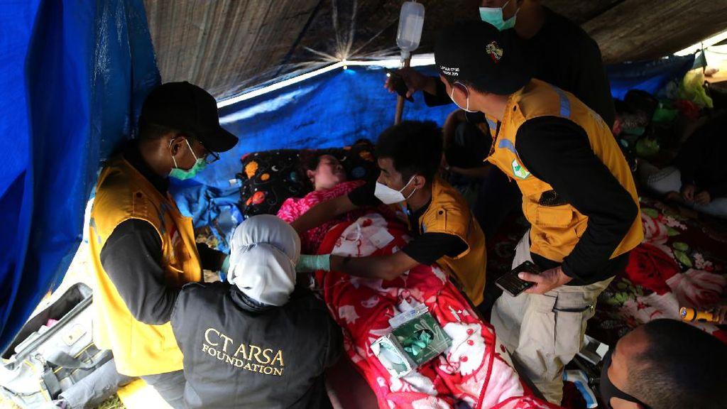 Layanan Medis Gratis Bagi Korban Gempa Sulbar dari CT ARSA
