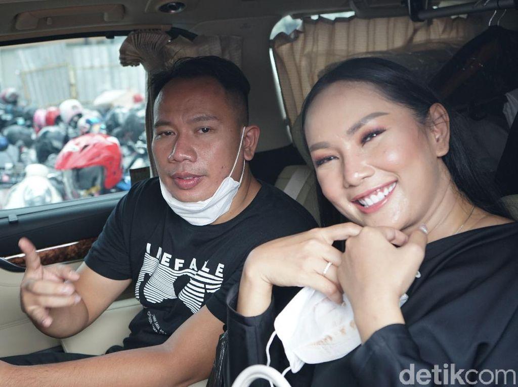 Kalina Oktarani Umumkan Batal Nikah dengan Vicky Prasetyo
