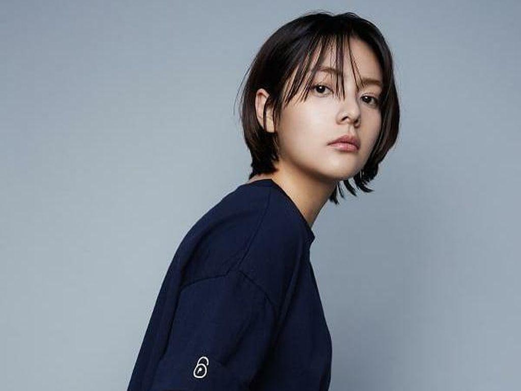 6 Fakta Song Yoo Jung, Jadi Model hingga Main Drakor School 2017