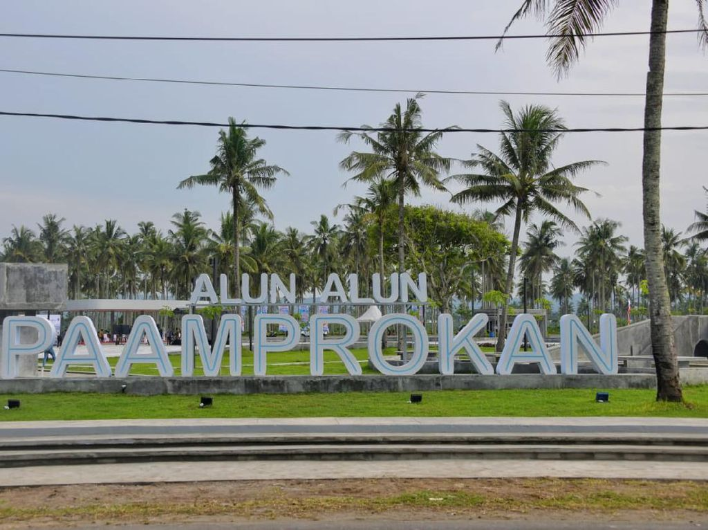 Foto: Wajah Baru Alun-alun Paamprokan, Ditargetkan Selesai Februari 2021