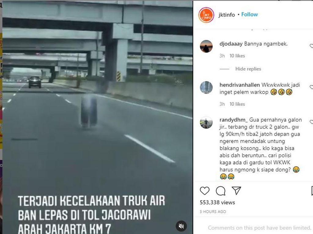 Awas! Detik-detik Ban Truk Lepas Bergerak Liar di Jalan Tol Jagorawi