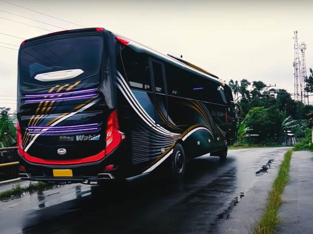 Bangun Bus Sendiri, Baiknya Buat Armada Pariwisata, Jangan AKAP