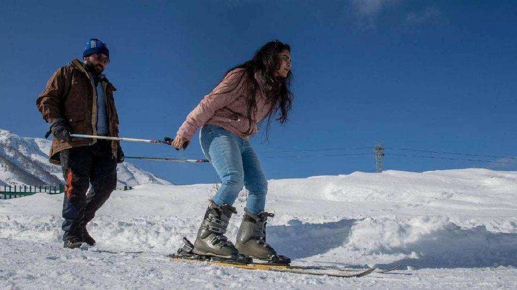 Foto: Kota Hantu yang Jadi Resor Ski Terluas di Asia