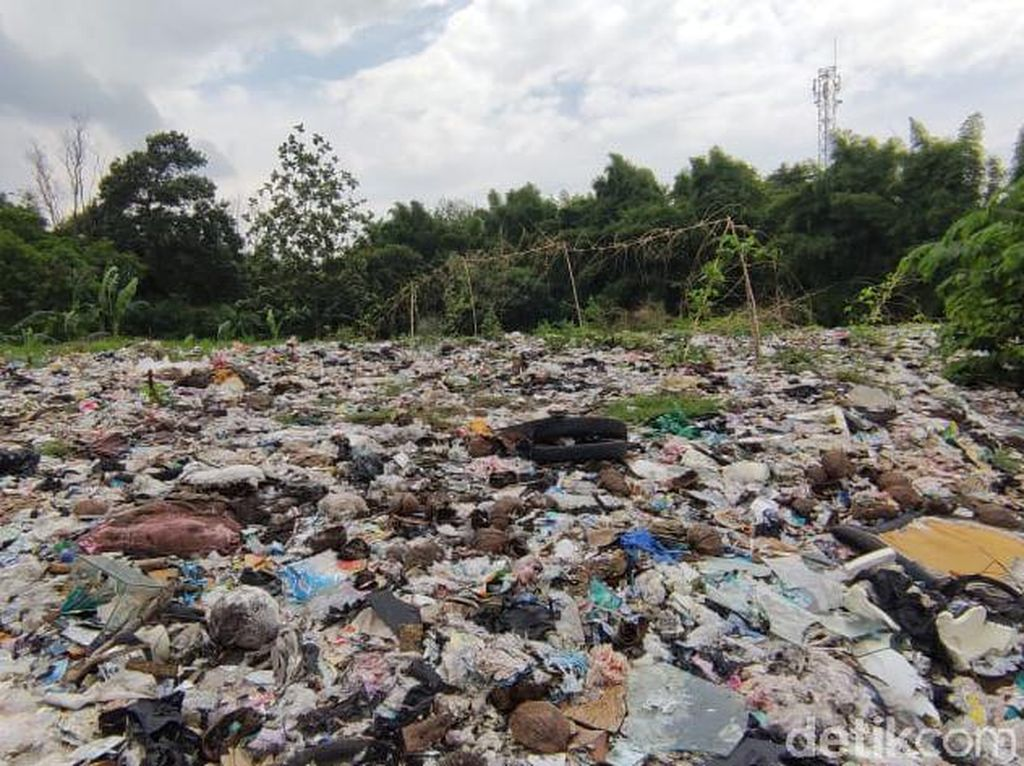 Warga Tolak Lahan Sampah Seluas Lapangan Bola di Bekasi Jadi TPS
