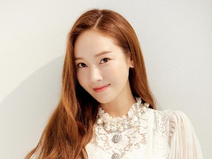 Sekuel Novel Shine Karya Jessica Jung Segera Terbit, Siap Baca?