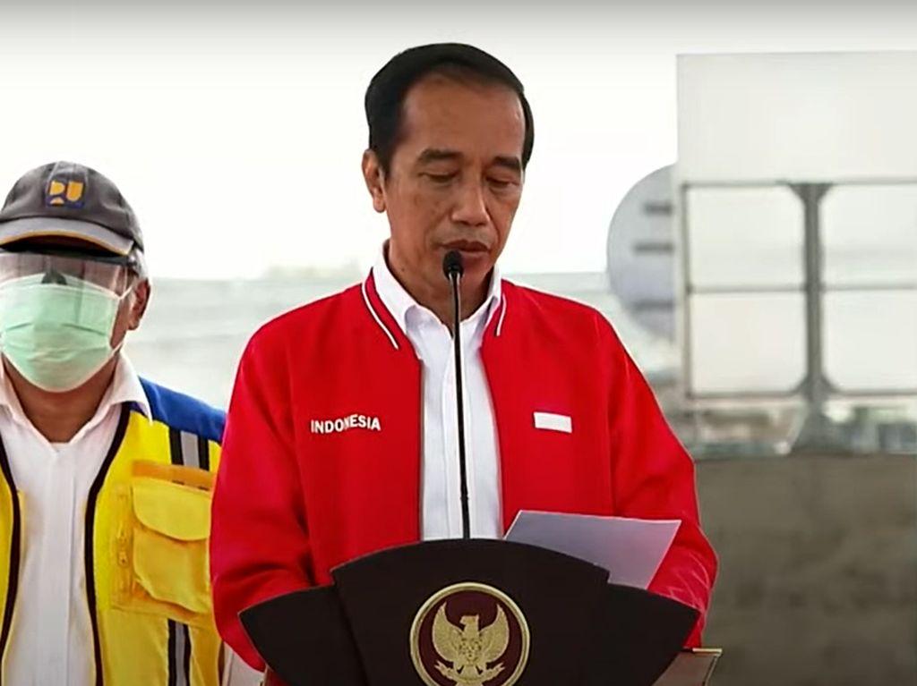 Momen Jokowi Resmikan Jalan Tol Kayu Agung-Palembang