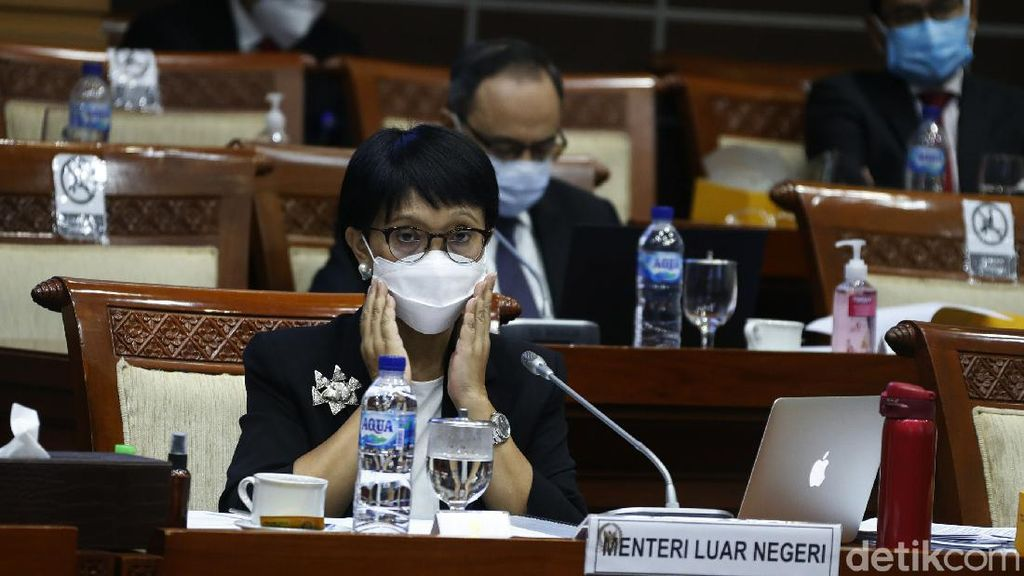 Menlu dan Komisi I DPR Rapat Bahas Vaksin Corona