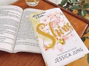 Jessica Jung Rilis Novel Perdana: Rasanya Seperti Tidak Nyata