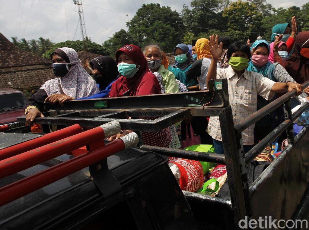 Ratusan Pengungsi Merapi Kembali ke Rumah