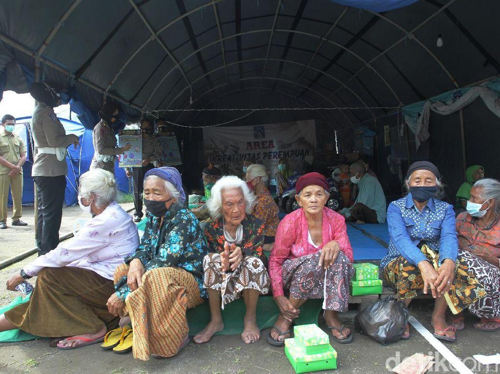 Barak Pengungsi Merapi di Glagaharjo Masih Disiagakan