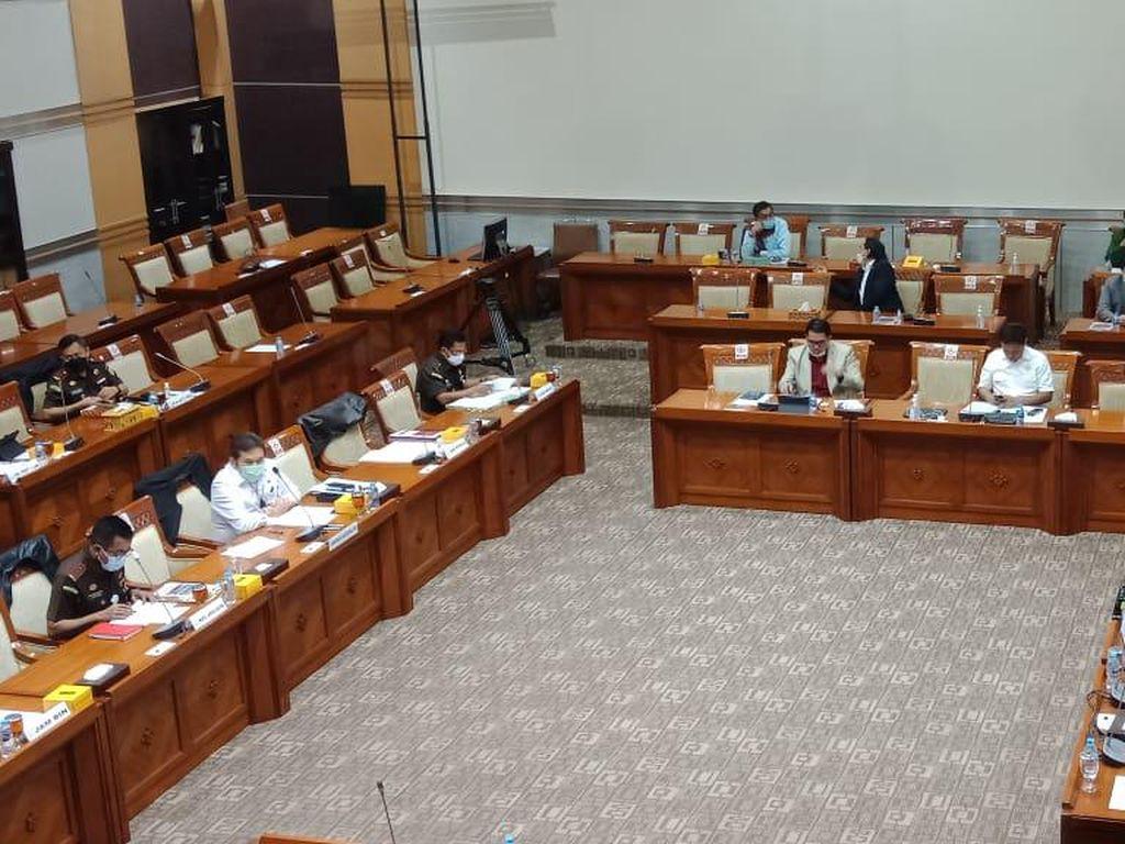 Rapat dengan Jaksa Agung, Golkar Soroti Tuntutan Pinangki: Harusnya Lebih Berat