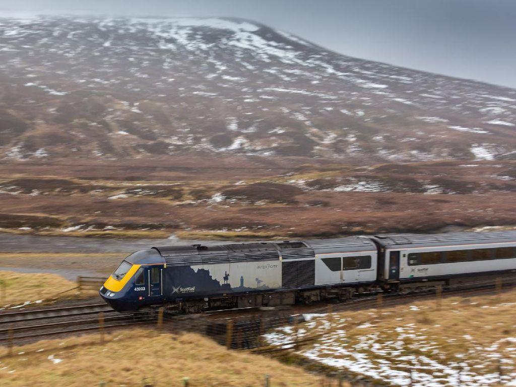 Skotlandia Cuma Butuh 10 Bulan untuk Operasikan Kereta Hidrogen