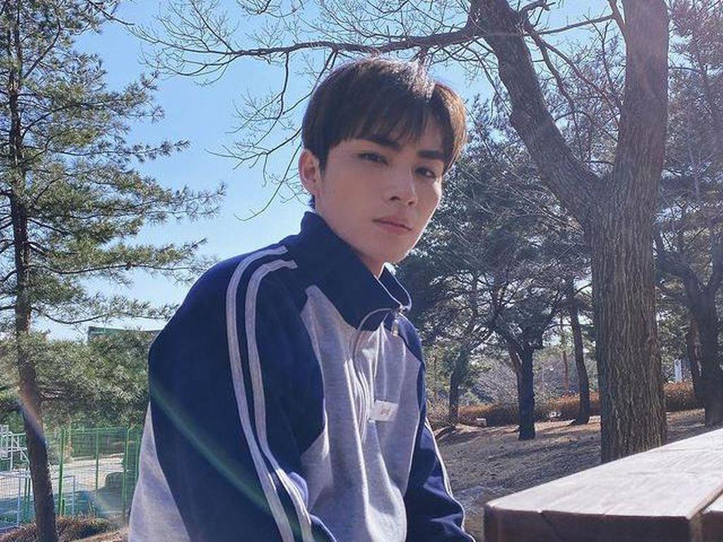 Xiaojun WayV Bikin Kue Oreo, Seperti Apa Rasanya?