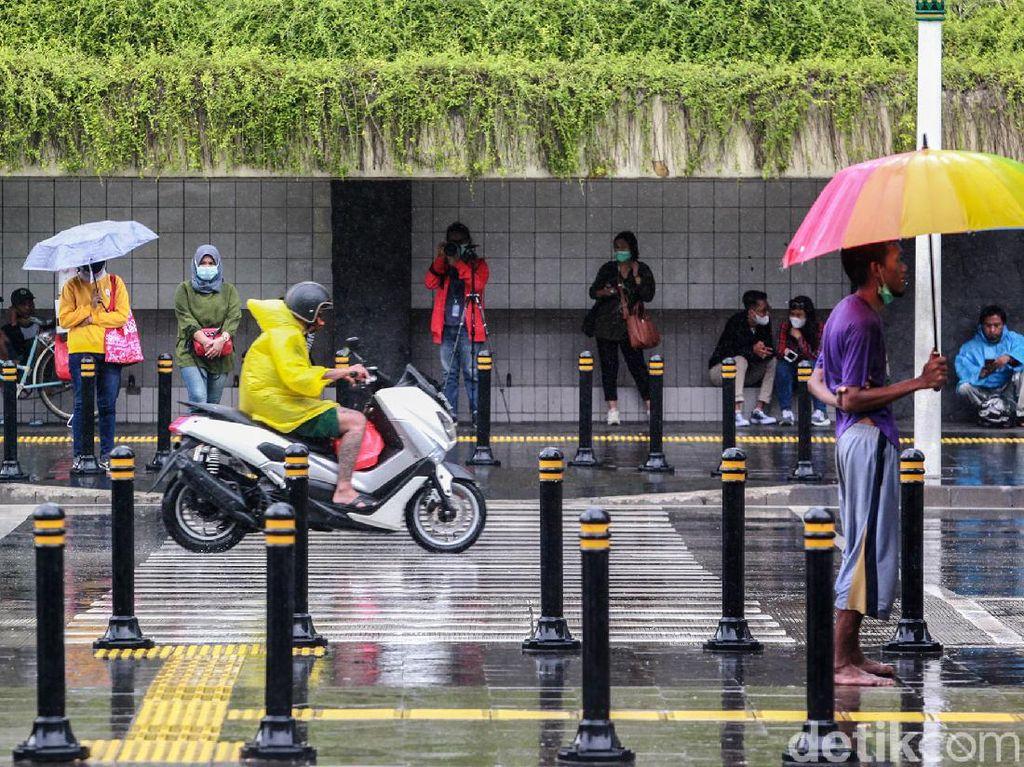 Waspada Bencana Hidrometeorologi Imbas Cuaca Ekstrem di RI