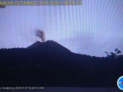 Gunung Sinabung Erupsi, Kolom Abu Capai 500 Meter
