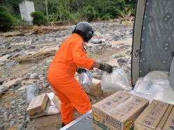 TNI Kerahkan Helikopter untuk Kirim Logistik ke Desa Datar Ajab Kalsel