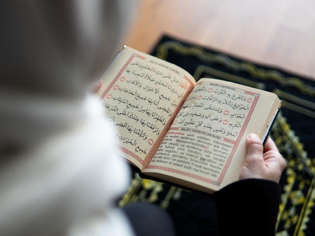 Makna Surat An Nisa Ayat 136 dan Bacaannya dalam Arab dan Latin