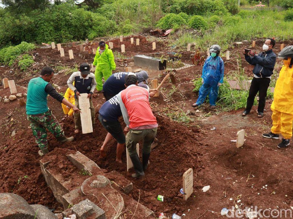 Jabar Hari Ini: Tukang Pikul Jenazah Corona Mogok-Jomblo Karawang Bunuh Siswi SMP