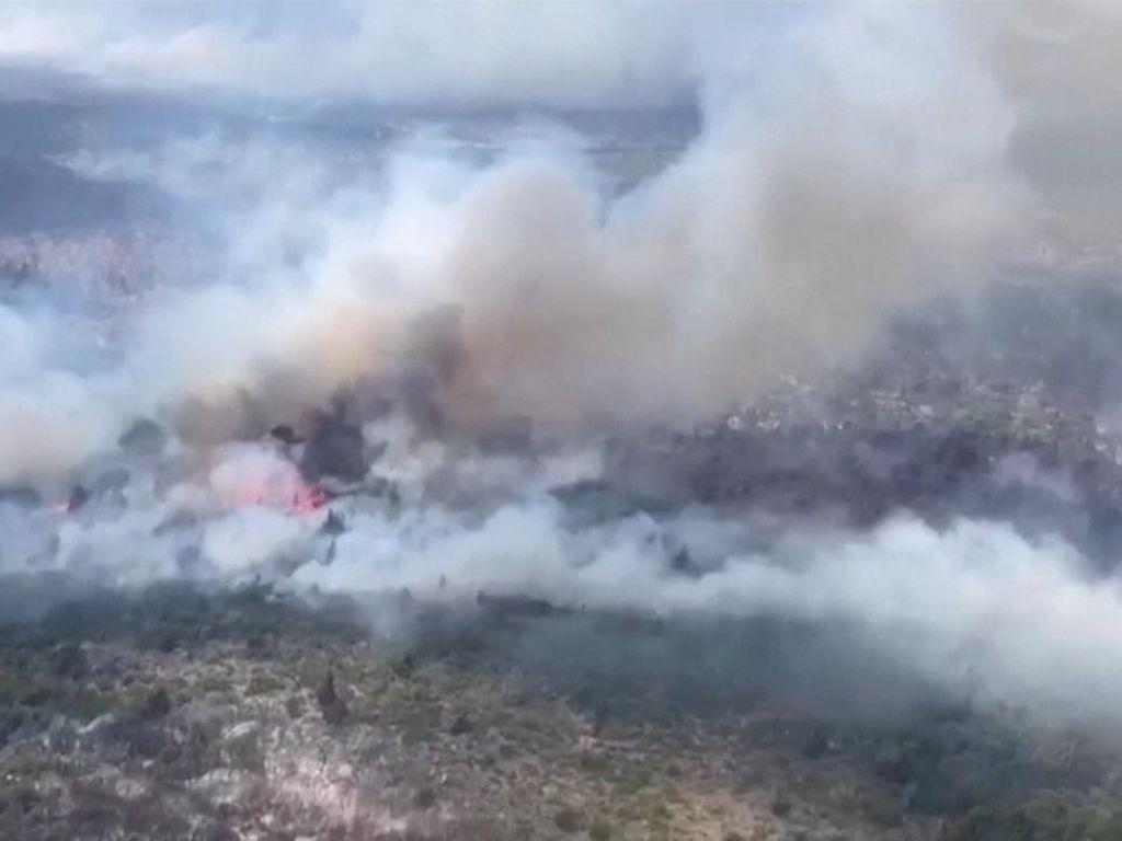 Kebakaran Hutan di Argentina, Ratusan Rumah Terbakar