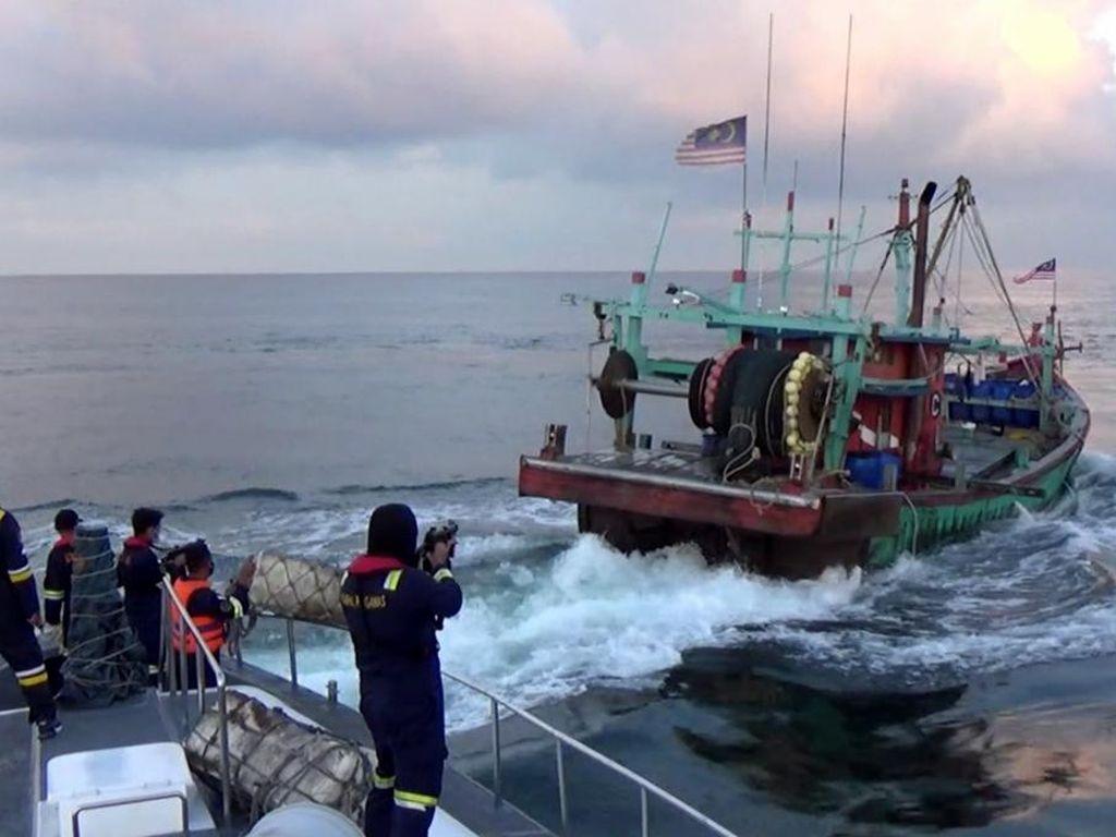 Lagi Maling Ikan, Eh... Kapal Malaysia Kena Ciduk