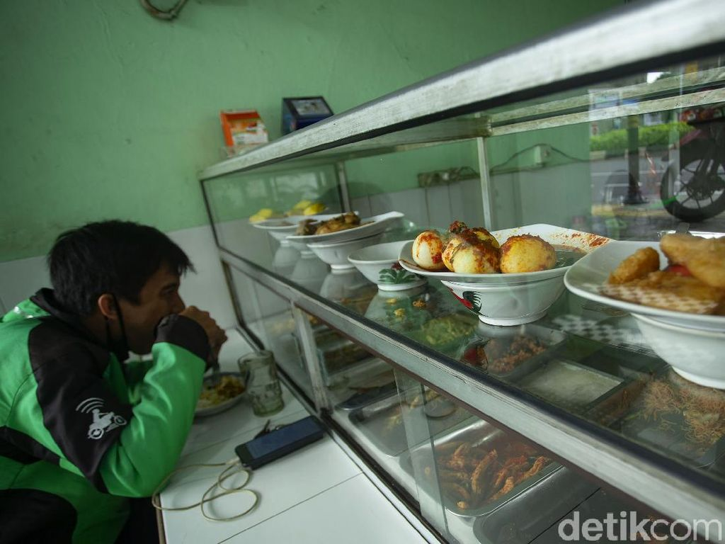 Banyak Warung Makan Tumbang, Pengusaha Minta Insentif Pajak